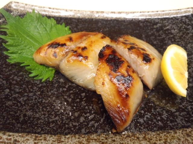 さわらの味噌漬 素材の良さを生かす職人技が、どこにも真似ができない奥深い味わいを生み出します。